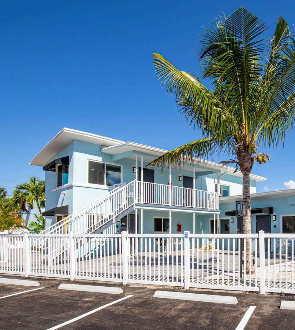 TAKE A LOOK AT THE FEATURES AND AMENITIES <br> OF OUR UNIQUE ST. PETE BEACH HOTEL