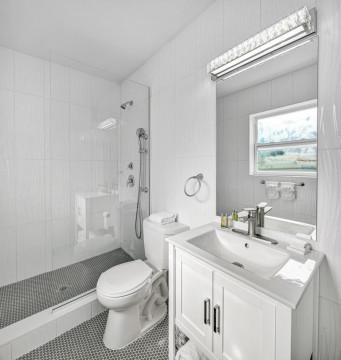Beach Haven Full Bathroom