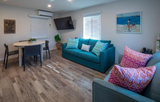 Welcome To Villa At St Pete Beach - Modern Decor