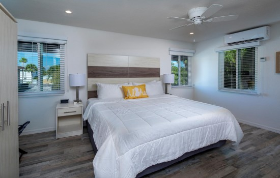 Welcome To Villa At St Pete Beach - Comfortable King Bedding