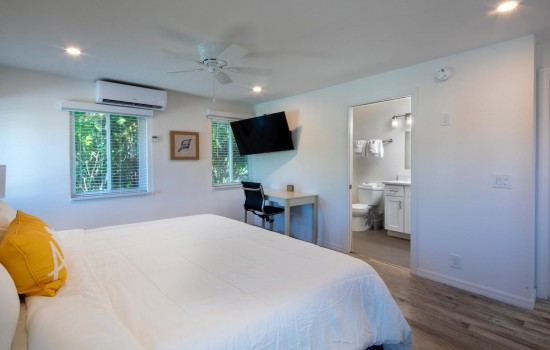 Welcome To Villa At St Pete Beach - Clean & Comfortable Rooms