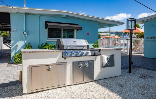Welcome To Villa At St Pete Beach - BBQ Area