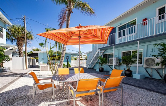 Welcome To Villa At St Pete Beach - Relax Outside