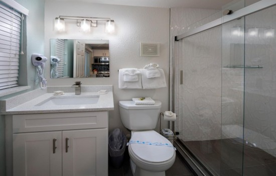 Welcome To Villa At St Pete Beach - Private Bathroom